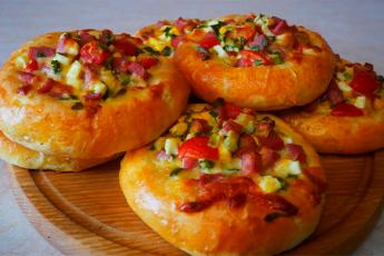 Остренькие ватрушки-пиццы. А какие они ароматные