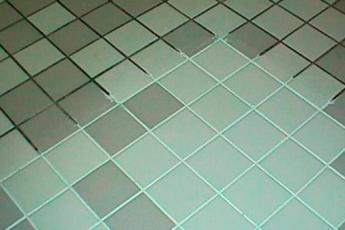 Как эффективно отбелить швы между плиткой