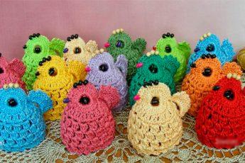 Пасхальные сувениры: вязаные цыплята крючком
