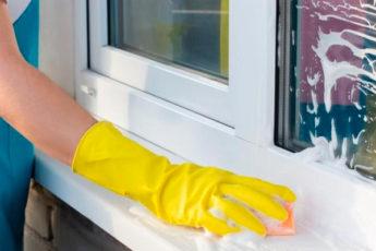 6 способов, как отмыть желтизну с пластикового подоконника