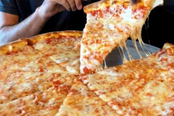 Самое вкусное тонкое тесто для пиццы