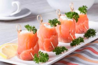 Закуска из красной рыбы и творога «Новогодняя»