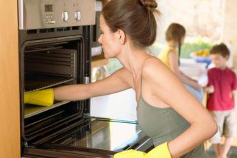 Как очистить электрическую духовку от жира, нагара и других стойких загрязнений