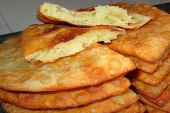 Чебуреки с сыром: хрустящее тесто и сочная начинка