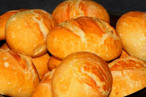 Аппетитные немецкие дрожжевые булочки к завтраку вместо хлеба!